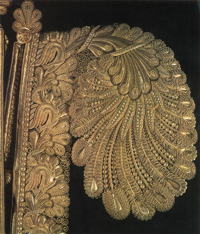 Какой Российский город с 13 века славится Золотой вышивкой по материи? 8